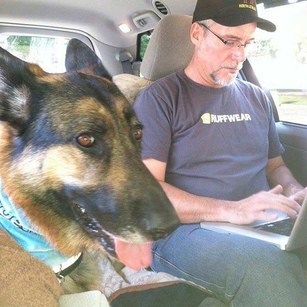 Tripawds Admin and Wyatt go to BlogPaws